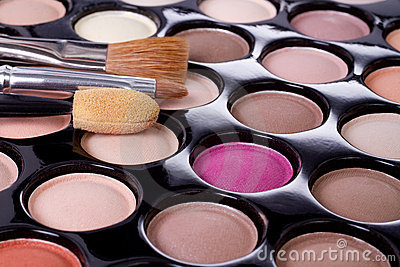 Make-up colorful eyeshadow palette with brushes