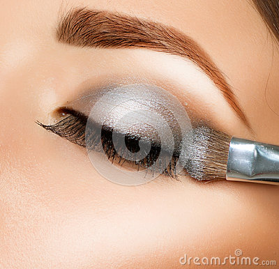 Free Make-up. Eye Shadow Brush Stock Photography - 25698112