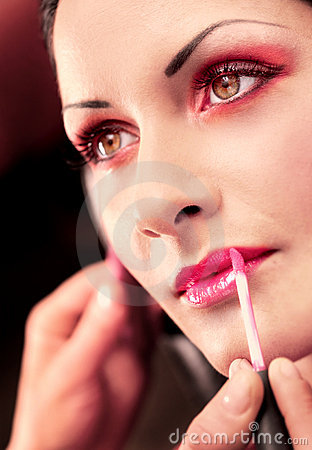 Free Makeup And Beauty Treatment Royalty Free Stock Image - 2331246