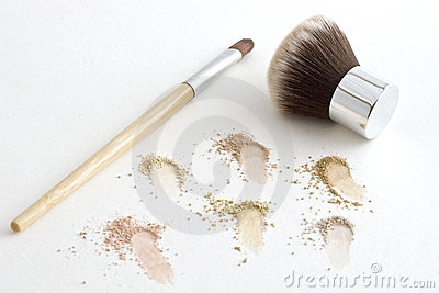Makeup Brushes and Mineral Powder
