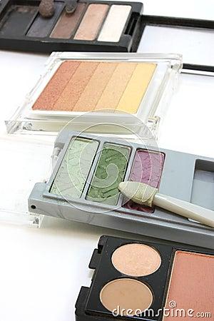Makeup, eye shadow, 4 sets of shades and tones