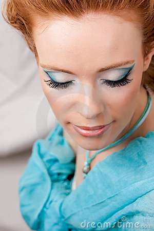 Makeup of the girl in blue