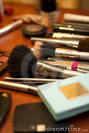 Free Makeup Kit Stock Images - 15975764