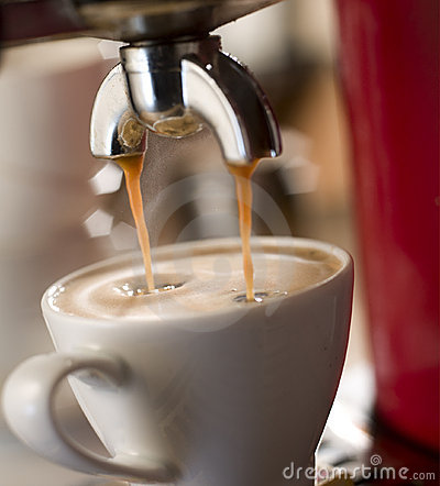 Free Making Coffee Royalty Free Stock Photography - 22465467