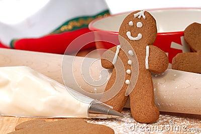 Making delicious gingerbread men