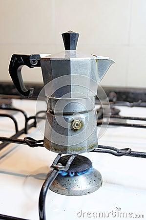 Making italian coffee