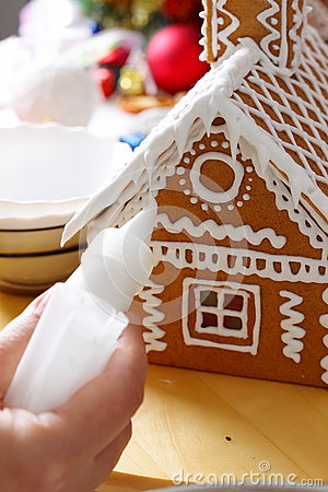 Free Making Of Gingerbread House Royalty Free Stock Images - 79285059