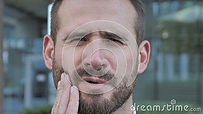 Mal De Dents Homme Daffaires De Barbe Avec Linfection De Dent