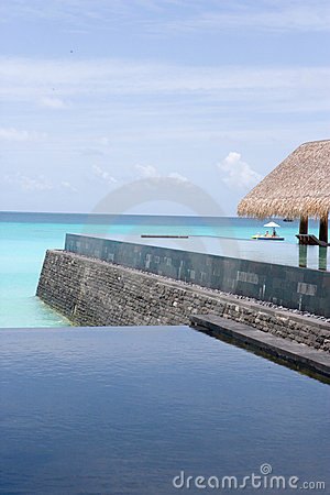 Maldives Infinity Pool