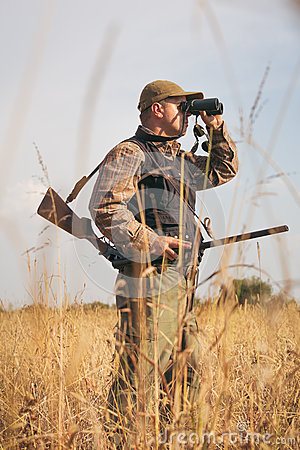 Free Male Hunter Royalty Free Stock Photography - 77188357