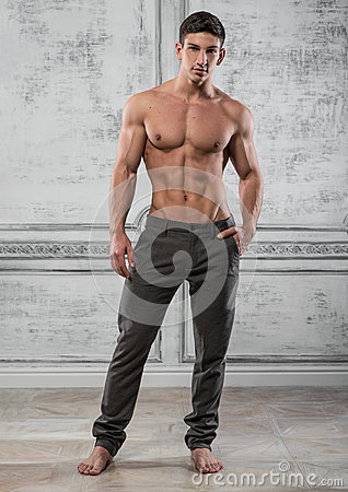 Free Male Model Royalty Free Stock Images - 48627149