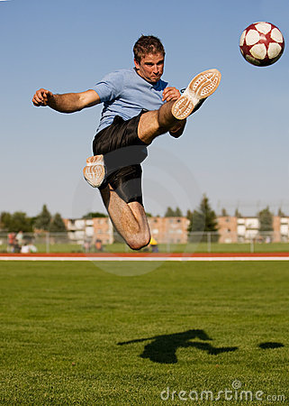 Free Male Soccer Royalty Free Stock Photography - 7617077