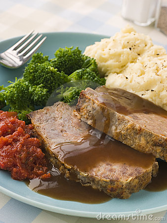 Free Mama S Meatloaf With Mashed Potato Broccoli Tomato Stock Image - 5575491