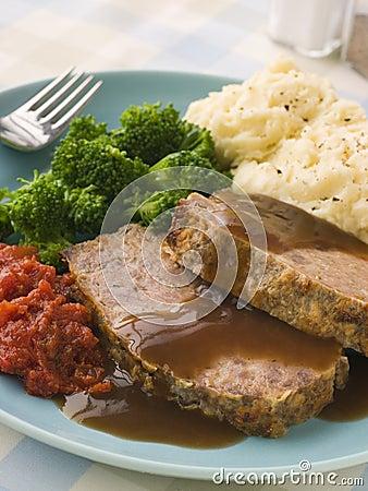 Free Mama S Meatloaf With Mashed Potato Broccoli Tomato Stock Image - 5575491