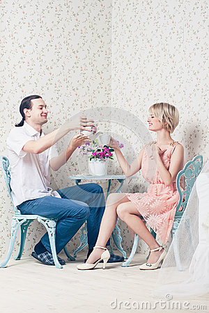 Free Man And Woman Royalty Free Stock Photography - 37491877