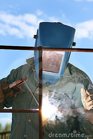 Man Arc welder