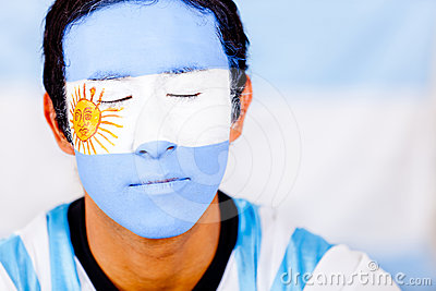 Man with Argentina s flag