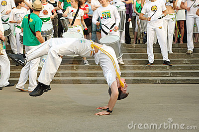 Man dance on real capoeira performance Editorial Stock Image
