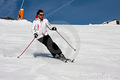Man downhill ski in apls