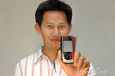 Man holding the handphone