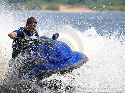Man on jet-ski turns very fast