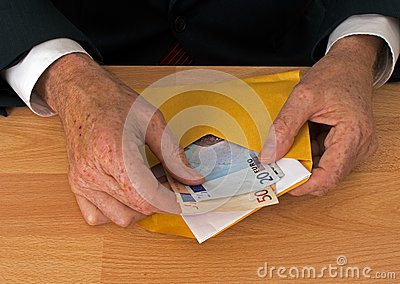 Man makes payment in Euros - with envelope