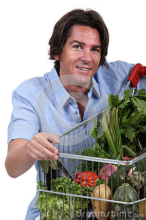 Man med grönsaktrolleyen