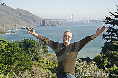 A man in San Francisco, Golden Gate Bridge