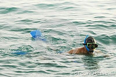 Man snorkeling1