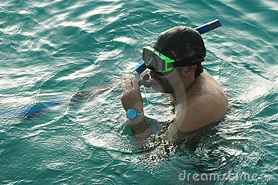 Man snorkeling3