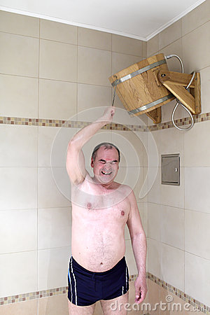 Man turns tub