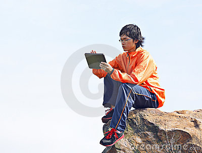 Man using tablet pc