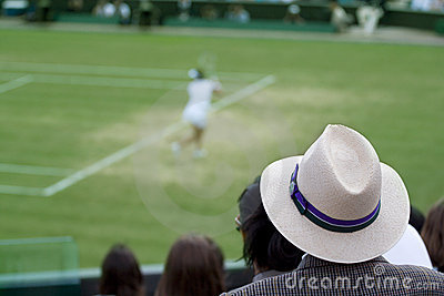 Man watching tennis match