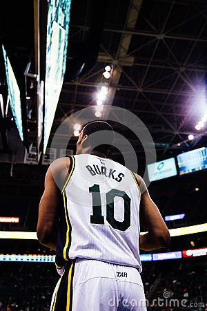 Man In White Burks 10 Basketball Jersey Free Public Domain Cc0 Image