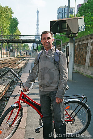Free Man With Bike In Paris Royalty Free Stock Photos - 17450028