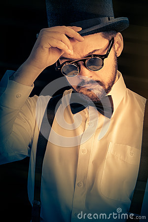 Free Man With Top Hat And Steampunk Glasses Retro Portrait Stock Image - 42190411