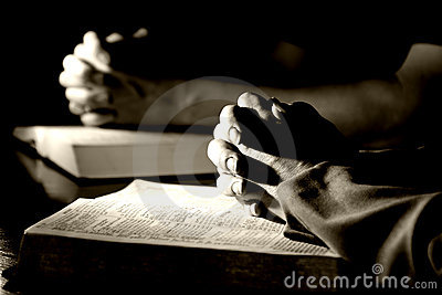 Man & Woman Praying Bibles (BW)