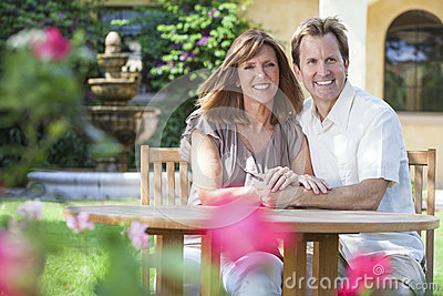 Man & Woman Romantic Couple In Garden