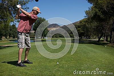 Mann-Golf spielen
