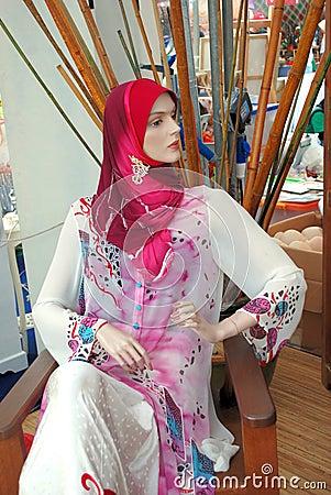 Mannequin in baju kurung
