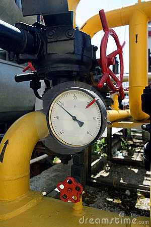 Manometer on gas pipe