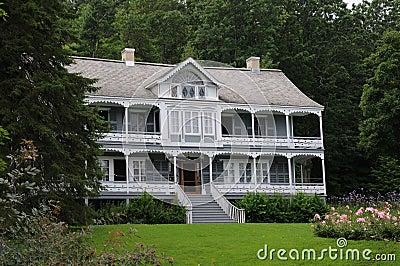 Manor and Garden