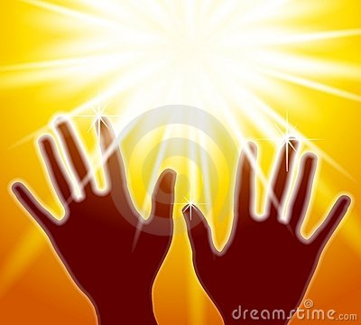 Manos que alcanzan para la luz