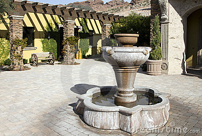 Mansion home outdoor fountain plaza