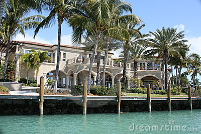 Mansion With Palms Royalty Free Stock Photo