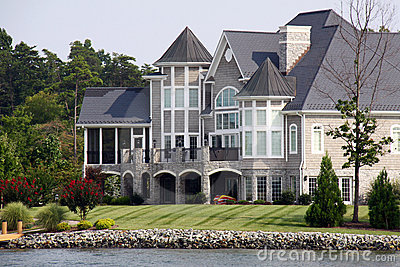 Mansion the Water - Smith Mountain Lake
