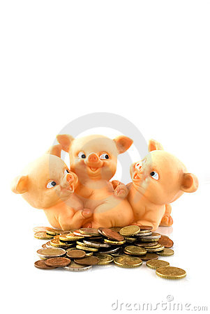 Free Many Euros For The Piggy-bank Royalty Free Stock Images - 3972709