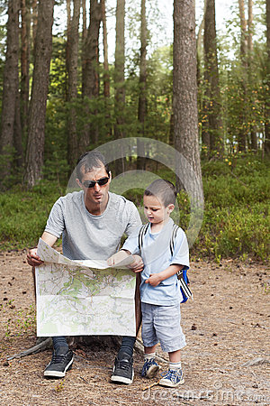 Free Map Reading Stock Photo - 29257810