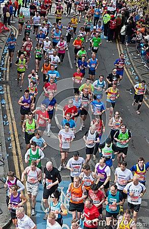 Maratón 2012 de Londres de la Virgen Foto editorial