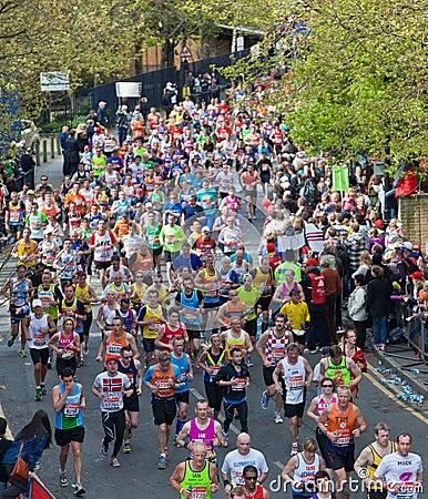 Maratón 2012 de Londres de la Virgen Fotografía editorial